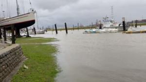 Derde weekendstorm op rij: haventje van Lillo onder water