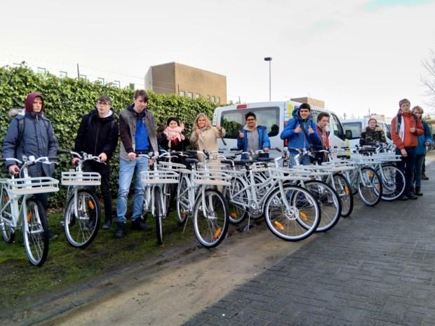 GO! SBSO Groenlaar krijgen vijftien fietsen van Vlotter