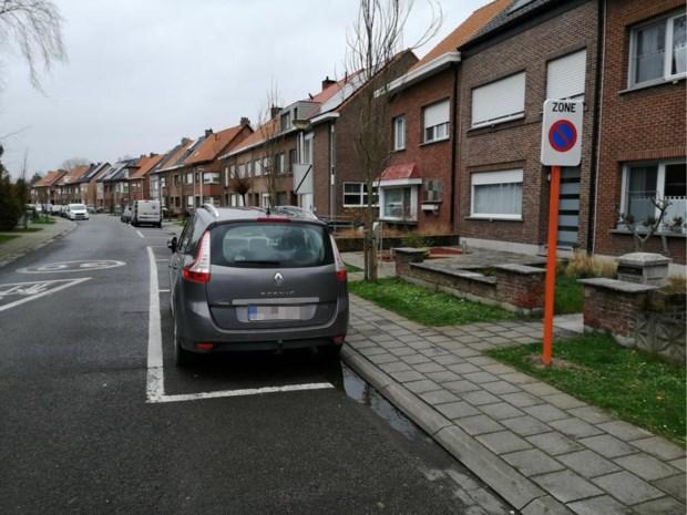 Heraanleg kruispunt moet parkeerdruk in Karl Marxstraat verlagen