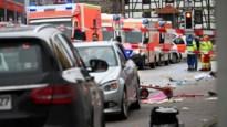 Auto rijdt in op carnavalstoet in Duitsland: 30 gewonden