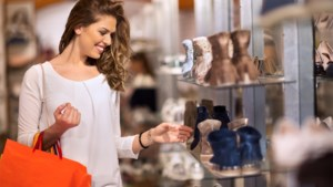 Vrouw bedenkt ingenieus trucje om altijd de juiste schoenen te kopen