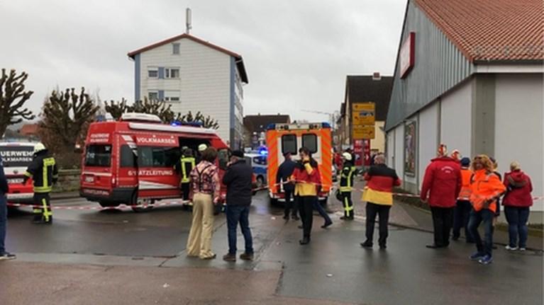 Aantal gewonden van dollemansrit in Duitse carnavalsstoet stijgt naar 52, onder wie 18 kinderen