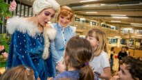 Sneeuwprinses Elsa op bezoek bij vakantiewerking KdG Hogeschool