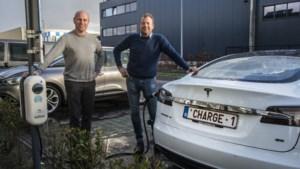 Zoveel laadpunten zijn er in de Kempen voor elektrische auto's, en Joris Van Mechgelen plaatst ze