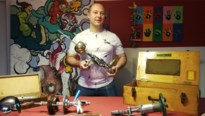 """Zaakvoerder broodjeszaak maakt pistolen van gevonden onderdelen: """"Liefst met een hoek af"""""""