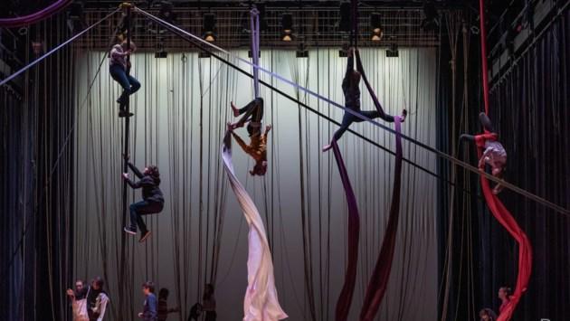 Leerlingen van florerend circusatelier Locorotondo tonen hun kunsten in 't Schaliken
