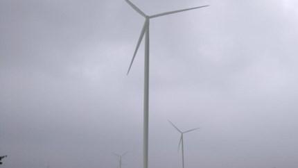 Windturbines industriezone steken plots weer de kop op