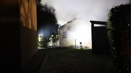 Brand in tuinhuis zorgt voor heel wat rookontwikkeling