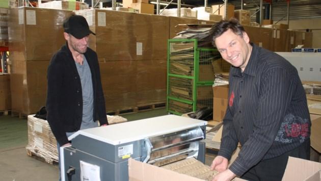 "De Brug koopt kartonshredder: ""Kleine machine, grote milieu-impact"" (en extra jobs)"
