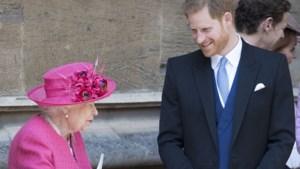 """Queen vertelt prins Harry dat hij """"altijd terug welkom is in de familie"""""""