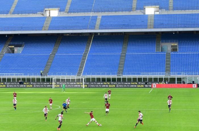 Overal in Europa worden voetbalmatchen afgelast of achter gesloten deuren gespeeld, behalve in België