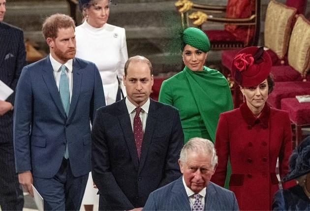 """Harry en Meghan straal genegeerd door William en Kate: """"Dit is niet hoe je je broer begroet!"""""""
