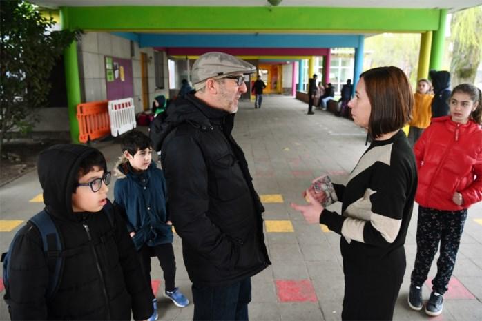 """Ouders in Willebroek bezorgd over opschorting lessen: """"Ik wil niet dat mijn kinderen drie weken niets leren"""""""