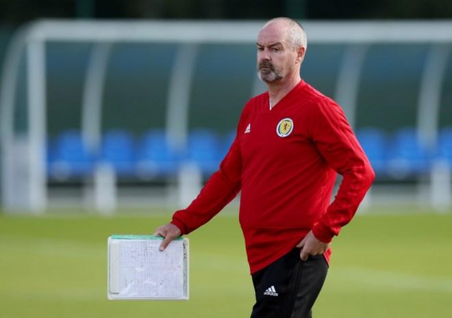 Schotse bondscoach mijdt loting Nations League uit vrees voor besmetting met coronavirus