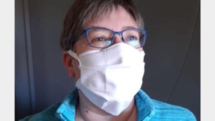 Naaisters maken mondmaskers voor zorgverblijf Hooidonk, maar er zijn er nog massa's nodig
