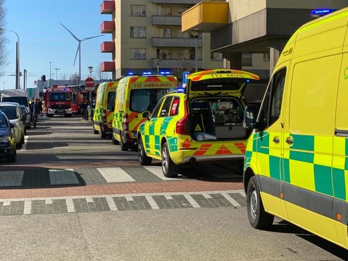Twaalf mensen naar ziekenhuis na terrasbrand op Luchtbal