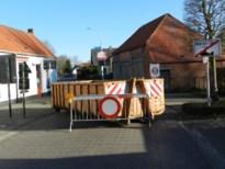 Hoogstraten plaatst containers om sluipwegen tussen België en Nederland af te sluiten