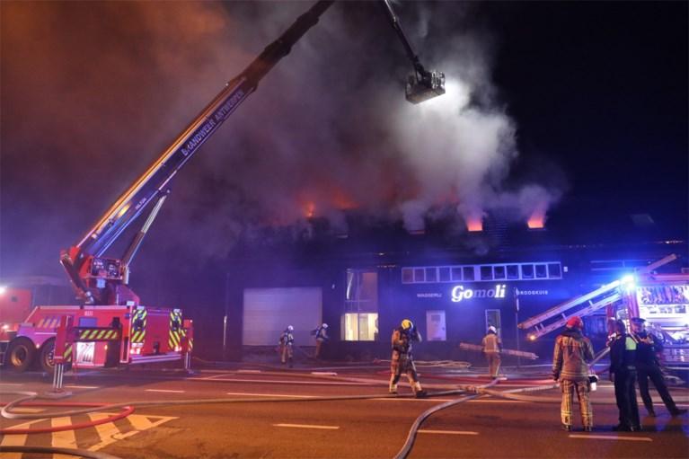 Uitslaande brand in appartement boven horecawasserij in Ekeren