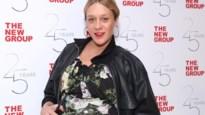 Hoogzwangere actrice Chloë Sevigny moet alleen bevallen door coronavirus