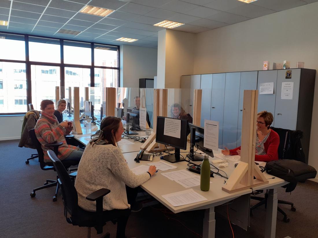 """Medewerkers stad Turnhout bellen alleenstaande senioren op: """"Vereenzaming moeten we zeker vermijden"""""""