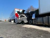 E19 richting Breda weer vrijgegeven na ongeval met twee vrachtwagens
