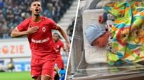Antwerp-spits Zinho Gano verwelkomt zoontje Nazario
