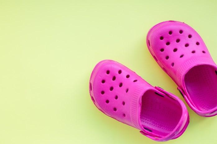 Crocs geeft klompen weg aan zorgpersoneel