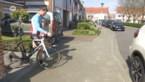 Wielertoeristen passen hun fietstochtjes aan door coronamaatregelen