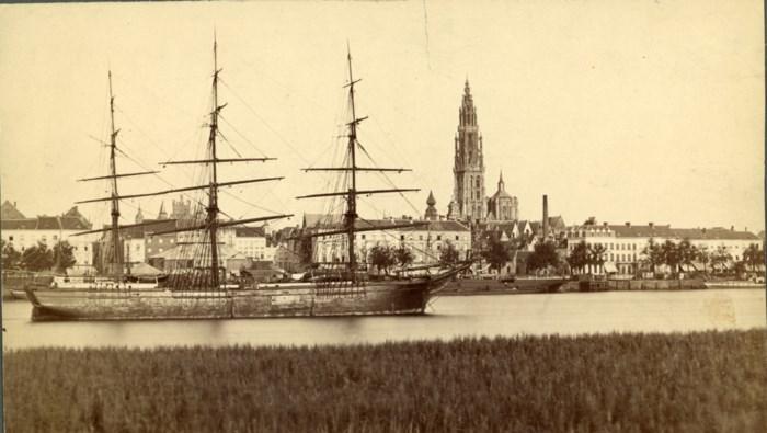 """Rector start met virtuele stadswandeling door 19e-eeuws Antwerpen: """"Reizen Corona neemt u mee op een imaginaire reis"""""""