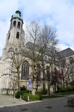 """Sint-Andrieskerk is aan opknapbeurt toe: """"Er sijpelt vocht binnen"""""""