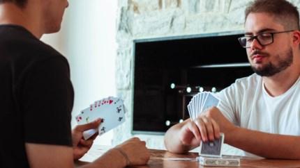 Cartamundi en Intracto lanceren online 'kaartspellenbijbel'