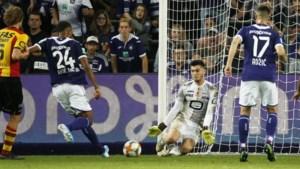 KV Mechelen licht optie Bouzian wel, Corryn niet