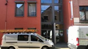 Serviceflats in Antwerpen nu ook letterlijk op slot: Zorgbedrijf scherpt strenge maatregelen verder aan