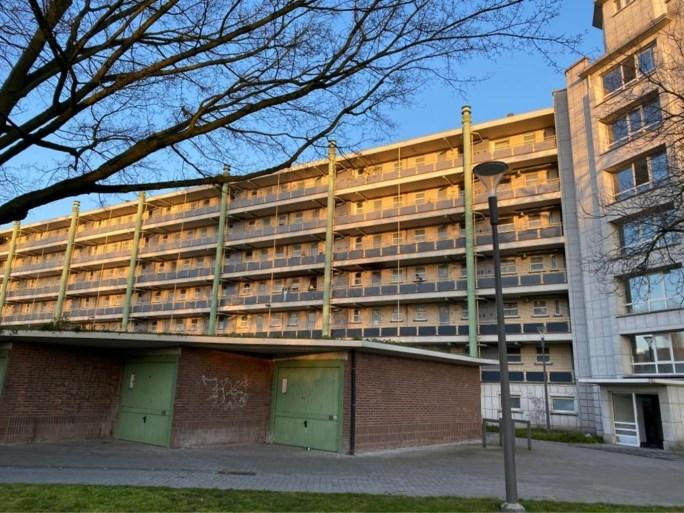 Lichaam gevonden aan appartementsblok: geen aanwijzingen van kwaad opzet