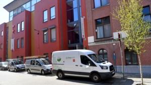Serviceflats letterlijk op slot: Zorgbedrijf scherpt strenge maatregelen verder aan