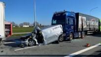 Nederlander komt om bij zwaar ongeval met vier vrachtwagens op E19