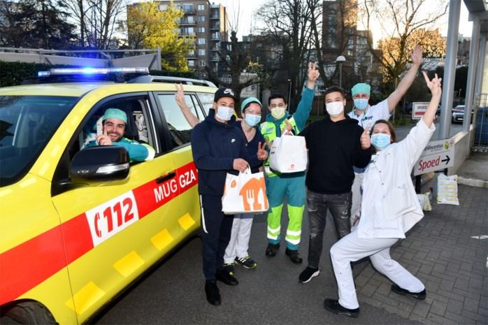 """Mohammed van Frituur 't Zuid: """"Ook in het ziekenhuis zal een lekker frietje wel smaken"""""""