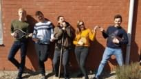 """Mensen met autisme maken radio: """"Het verkleint de kloof die geslagen is door coronamaatregelen"""""""