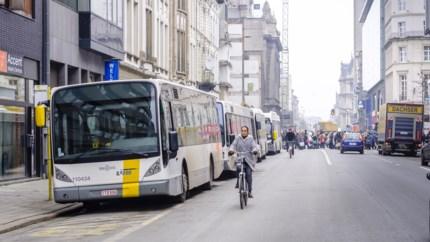 UA-onderzoek naar 'street canyons': in bijna alle straten in centrum Antwerpen blijft luchtvervuiling hangen