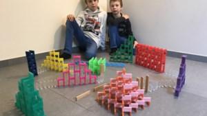 Brechtse tieners zetten iedereen  aan het 'dominoën' in coronatijden