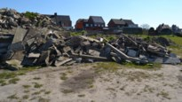 Ongezien: onbekenden stortten steenpuin op parking FC Nijlen