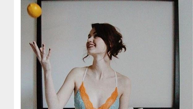 Belgische lingerieontwerpster toont nieuwe lijn vanuit haar slaapkamer