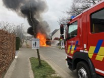 Brand vernielt auto