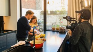Seppe Nobels zet dochters aan het werk voor kookfilm