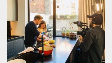 Seppe Nobels zet dochters aan de kook