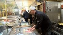 Italiaanse chef kookt driegangenmenu voor zorgpersoneel