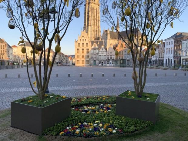 Markt in Mechelen is leeg, maar marktkramers zijn online wél bereikbaar