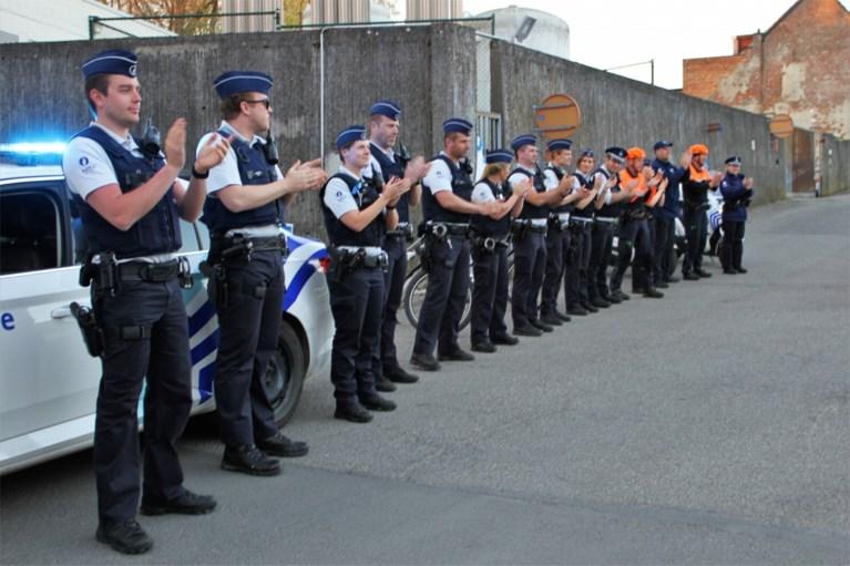Politie Lier applaudisseert voor personeel ziekenhuis