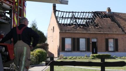 Brand vernielt boerderij in Balen