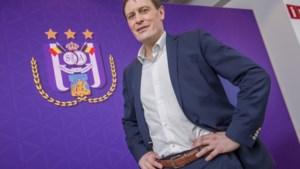 """CEO Van Eetvelt praat eindelijk over alle onheil dat Anderlecht lijkt te overkomen: """"Niet allemaal de fout van Coucke"""""""